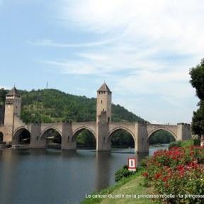 Le pont de Cahors, juillet 2013.